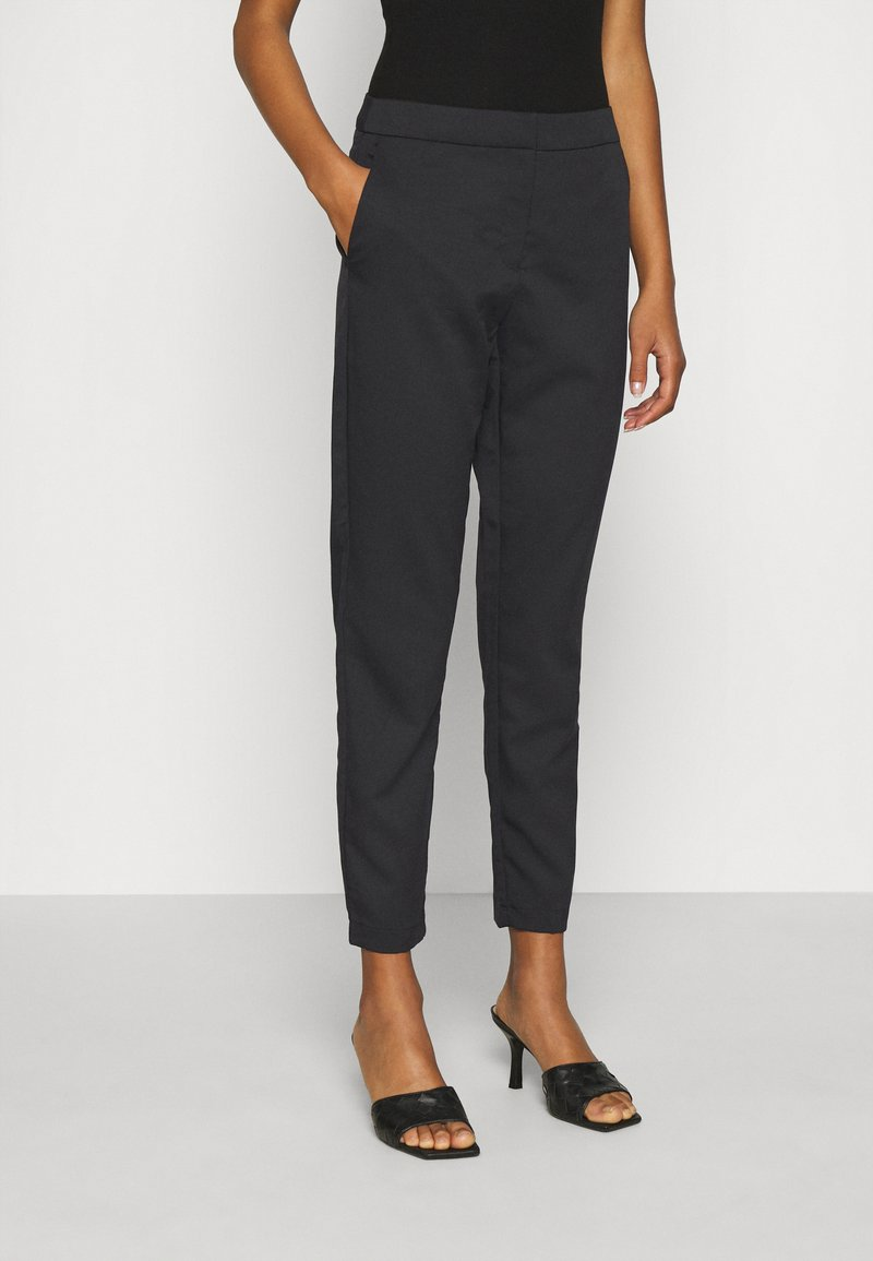 Vero Moda - VMCHIC ANKLE PANTS - Trousers - black