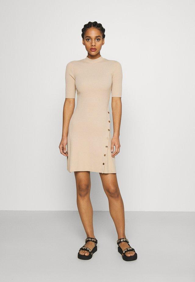 ROSEA - Gebreide jurk - beige