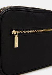 U.S. Polo Assn. - HOUSTON CROSSBODY BAG - Torba na ramię - black - 3
