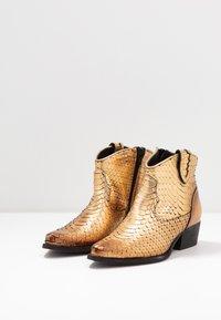 Felmini - TEXANA - Ankle boots - metal gold - 4