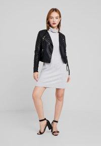 Noisy May Petite - NMCITY BAT DRESS - Jumper dress - light grey melange - 1