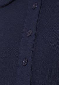 Glamorous Bloom - KNIT MIDI DRESS WITH SLIM FIT SLEEVES - Maxi dress - navy - 2