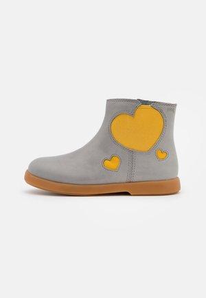 DUET - Classic ankle boots - grau