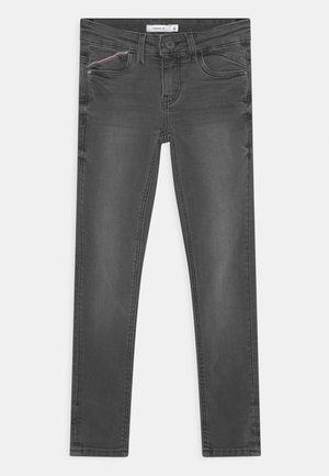 NKMPETE DNMTOWNS - Jeans Skinny Fit - medium grey denim