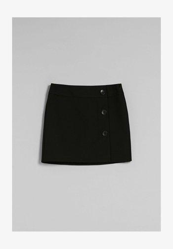 IM RETROLOOK MIT KNÖPFEN - Wrap skirt - black