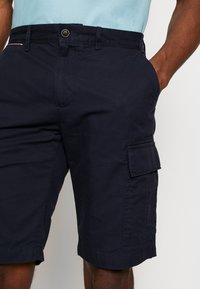 Tommy Hilfiger - JOHN CARGO - Shorts - blue - 4