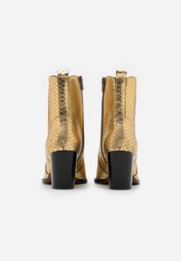 Toral - Cowboy/biker ankle boot - roy vacuno gold - 3