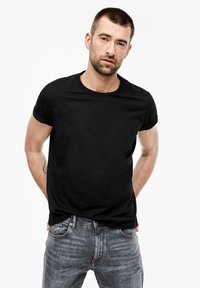 s.Oliver - Basic T-shirt - black - 0