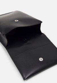 Marni - PHONE CASE UNISEX - Across body bag - black/eclipse - 2