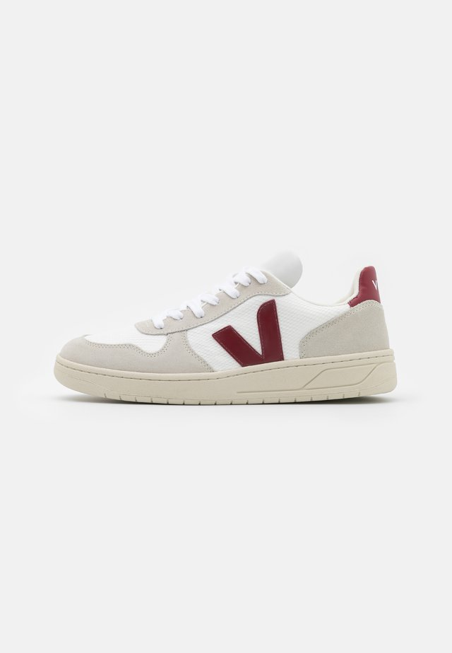 V-10 - Sneakers laag - white/natural/marsala
