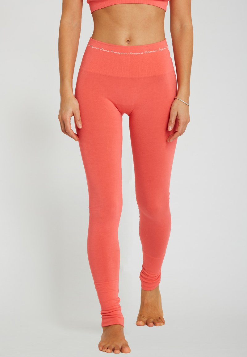Yogasearcher - ASANA - Legging - coral