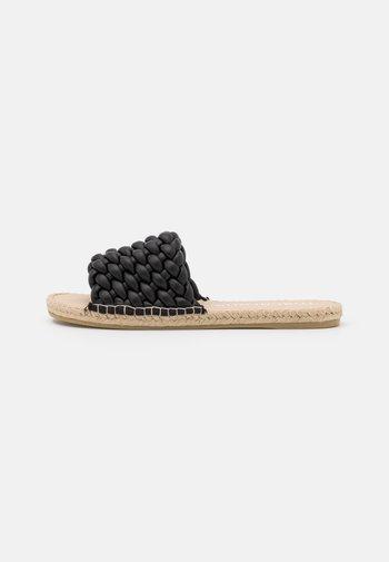 PLAYA - Pantofle - black