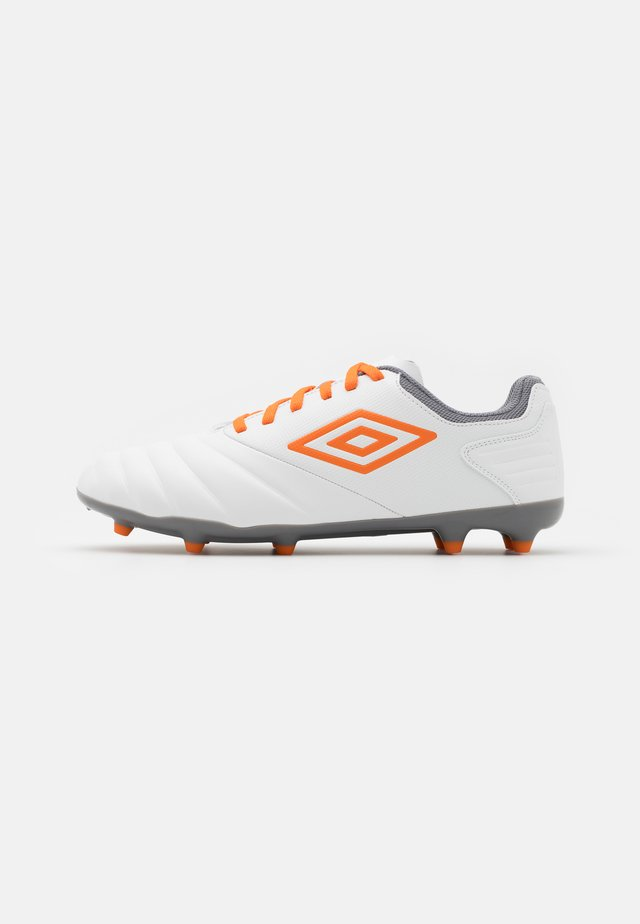 TOCCO CLUB FG - Fotballsko - white/carrot/frost gray