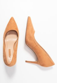 Dorothy Perkins - DELE POINT COURT - Højhælede pumps - tan - 3