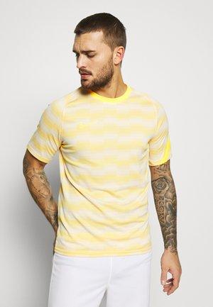 DRY - Print T-shirt - pure platinum/laser orange
