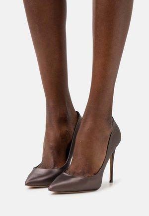 STESSY - Lodičky na vysokém podpatku - dark brown