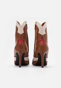 Billi Bi - High heeled ankle boots - red/offwhite - 2