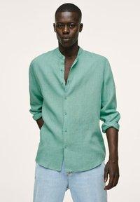 Mango - REGULAR FIT MIT - Shirt - wassergrün - 0