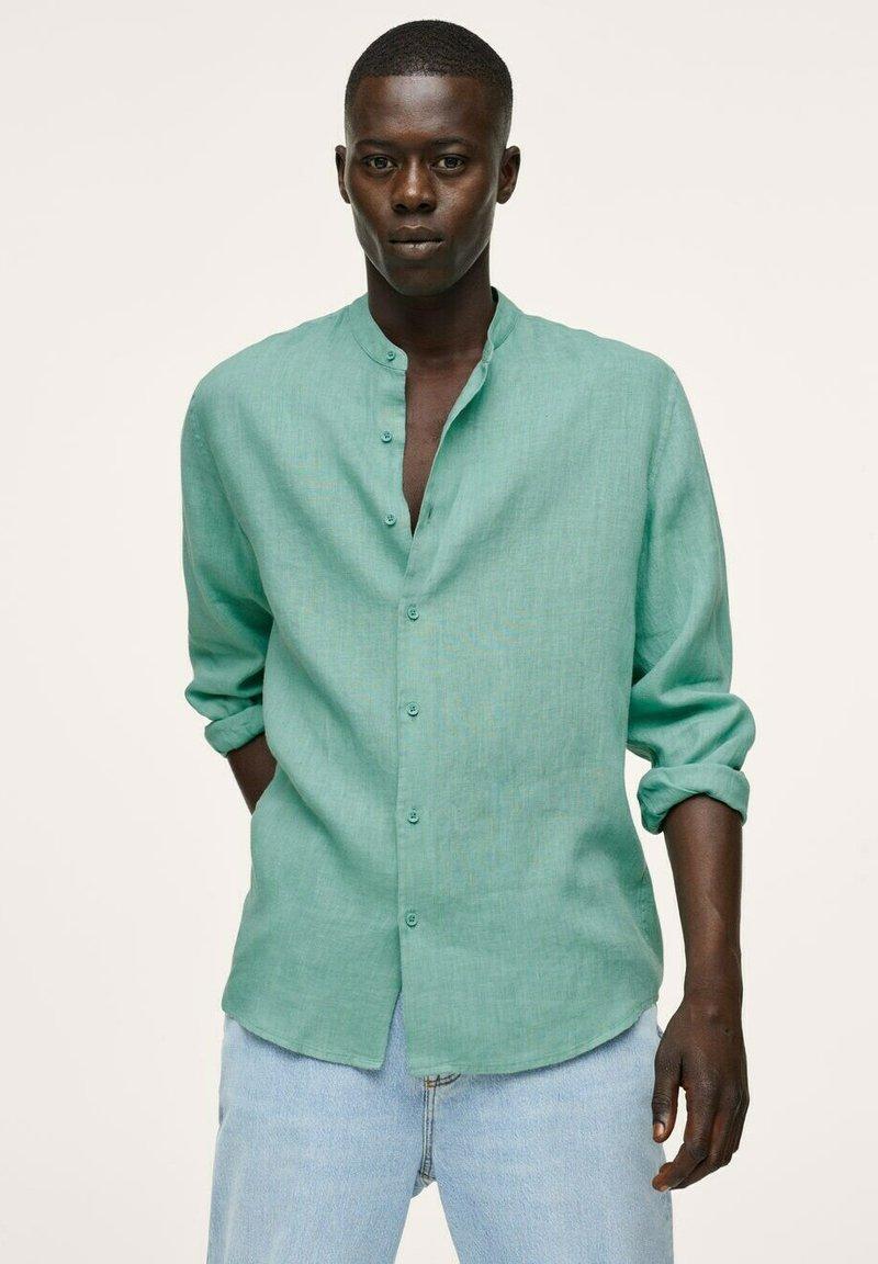 Mango - REGULAR FIT MIT - Shirt - wassergrün