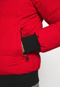 Kings Will Dream - PUFFER BOMBER JACKET - Winterjas - red - 6