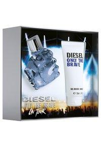 Diesel Fragrance - ONLY THE BRAVE EDT VAPO(DUSCHGEL 50ML) - Fragrance set - - - 2