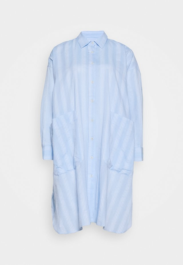 FRIENDSHIP SHIRTDRESS - Košilové šaty - light blue