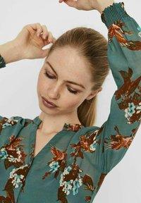 Vero Moda - Maxi dress - laurel wreath - 3
