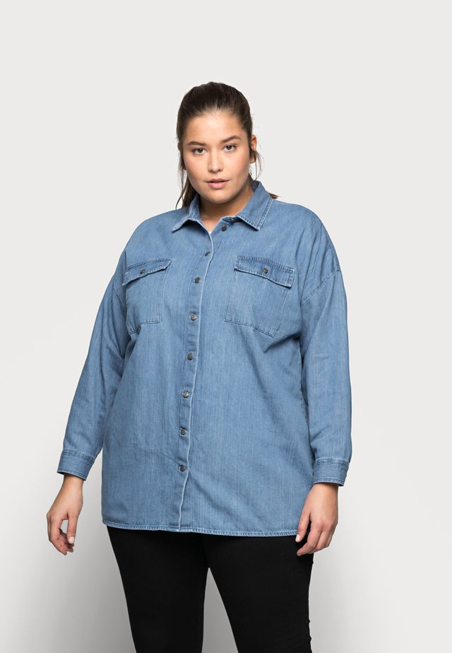 NMFLANNY LONG SHACKET - Button-down blouse - medium blue denim