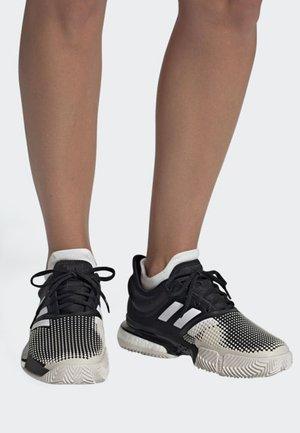 SOLECOURT BOOST CLAY SHOES - Zapatillas de tenis para tierra batida - black/white