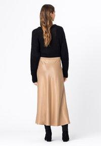 HALLHUBER - Pleated skirt - camel - 2