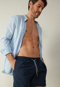 Intimissimi - BOXER BADEHOSE - Swimming shorts - blu intenso - 2
