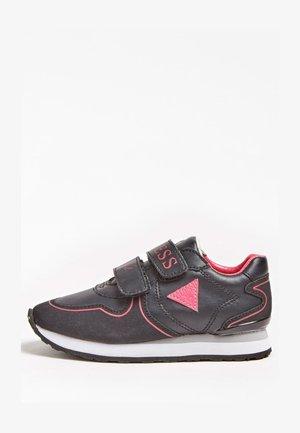 TESSA  - Sneakersy niskie - schwarz