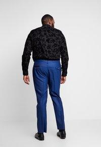 Twisted Tailor - REGAN SUIT PLUS - Suit - blue - 5