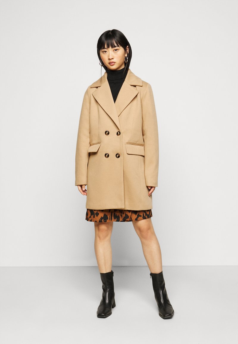 Fashion Union Petite - AIMEE - Short coat - camel
