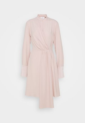 DRAPED FLUID CADY MINI DRESS - Denní šaty - petal pink