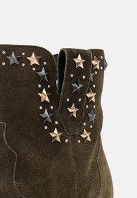 TWINSET - STAR STUDS - Cowboy/biker ankle boot - dark olive green - 5