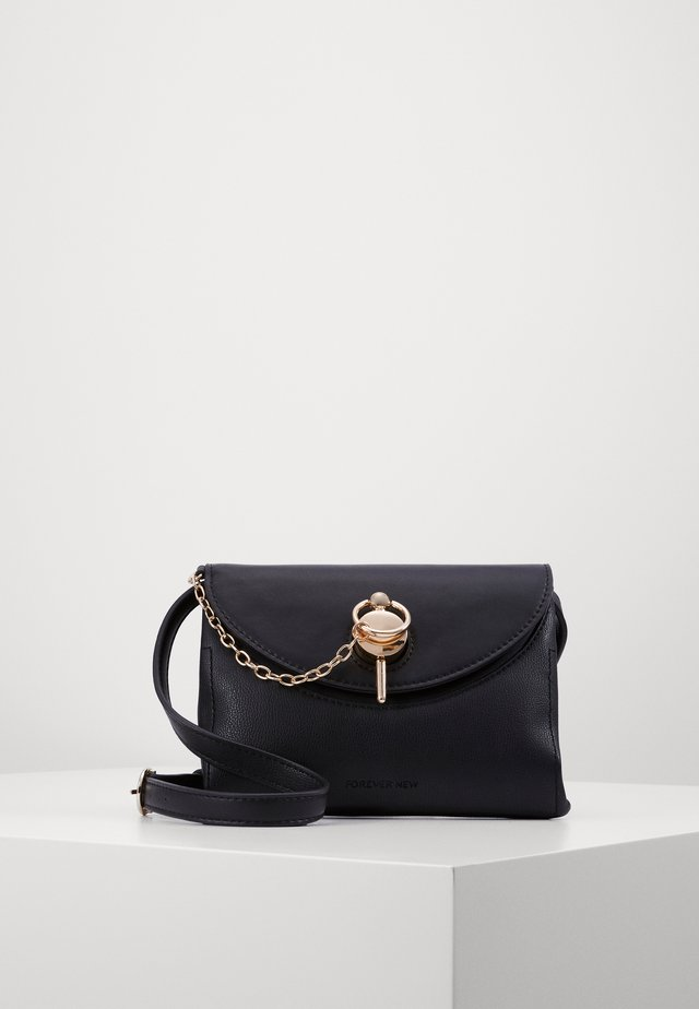 BETH FEATURE LOCK CROSSBODY - Across body bag - black