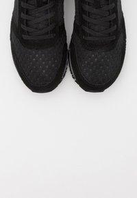 Woden - YDUN SUEDE MESH II - Sneakers laag - black - 5
