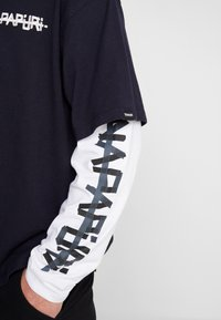 Napapijri The Tribe - SOLT - Langærmede T-shirts - blu emarine - 5
