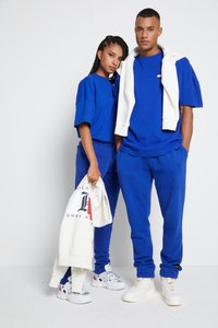 Tommy Hilfiger - LEWIS HAMILTON OVERSIZED UNITY GLOBE TEE - Print T-shirt - sapphire blue - 2