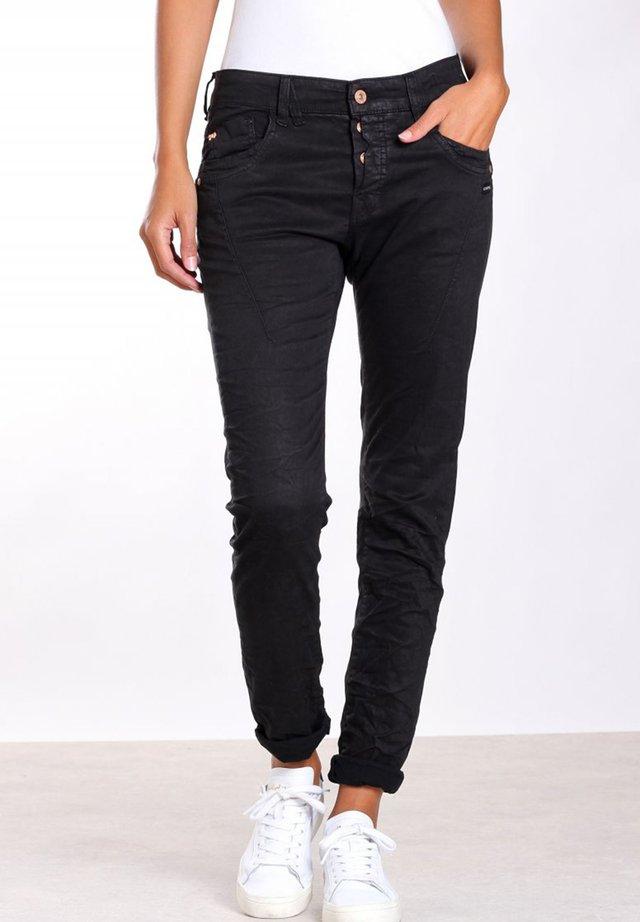 GEORGINA  - Slim fit jeans - black