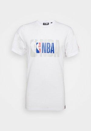 NBA LOGO LOGO TEE - Print T-shirt - white