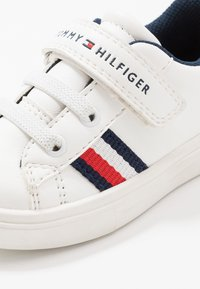 Tommy Hilfiger - Trainers - white/blue - 5