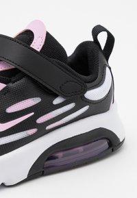 Nike Sportswear - AIR MAX EXOSENSE - Tenisky - white/light arctic pink/black - 5