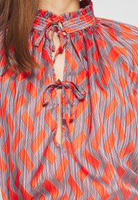 Birgitte Herskind - GAJOL BLOUSE - Blouse - geometric - 4