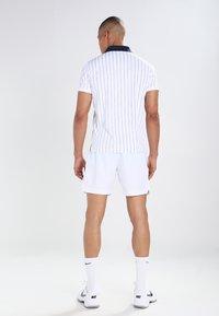 Fila - STRIPES - Funkční triko - white/peacot blue/red - 2