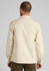 Lee - MILITARY - Skjorta - bleached sand - 2