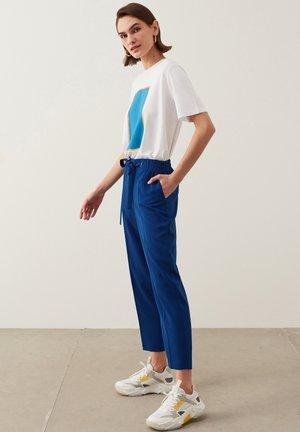 DRAPEY - Trousers - blue