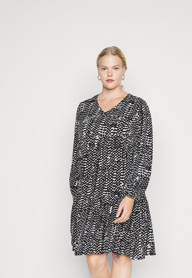 VNECK SMOCK DRESS - Kjole - mono brushstroke