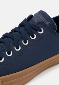 Converse - CHUCK TAYLOR ALL STAR  - Trainers - obsidian/honey - 5
